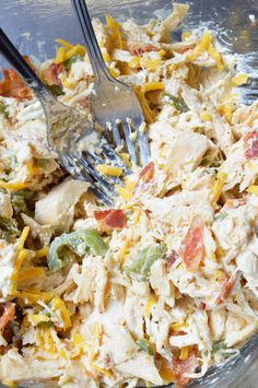 This Jalapeño Popper Chicken Salad is the ultimate! Creamy chicken salad with roasted jalapeños, bacon and cheddar cheese. Say goodbye to boring ol' chicken sandwiches and have Jalapeño Popper Chicken Wraps instead. This Jalapeño. Chicken Wraps, Keto Chicken Salad, Chicken Recipes, Jalapeno Chicken Salad Recipe, Chicken Sandwich Filling, Chicken Gyros, Sandwich Spread, Jalepeno Popper Chicken, Chicken Poppers