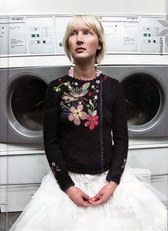 sweater + tutu + washing machines - I love this. It's so elegant and startling! Sweater Skirt, Knit Skirt, Ethno Style, Fibre And Fabric, Shabby Look, Folk Costume, Piece Of Clothing, Belle Photo, Refashion