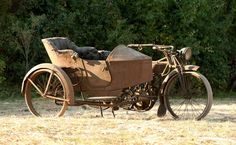 1913 Thor Twin and side-car. Love these old sidecar bikes! Vintage Cycles, Vintage Bikes, Vintage Trucks, Antique Motorcycles, Harley Davidson Motorcycles, Cars Motorcycles, Moto Bike, Motorcycle Bike, Bike With Sidecar