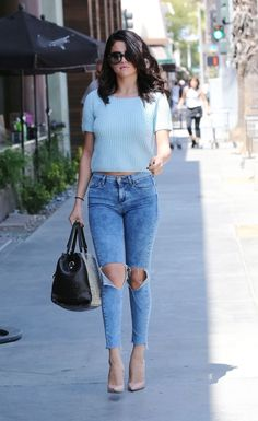 selena-gomez-in-tight-jeans-out-in-los-angeles_18.jpg (1200×1958)