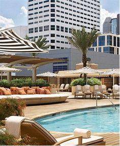 Outside Pool at the Four Season Hotel - Houston - USA