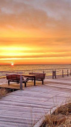 Apartments in Scharbeutz - Holidays on the beach. Vacation on the Baltic Sea Beautiful Sunrise, Beautiful Beaches, Beauty Dish, Winter Beach, I Love The Beach, Baltic Sea, Beach Scenes, Beach Pictures, Amazing Nature