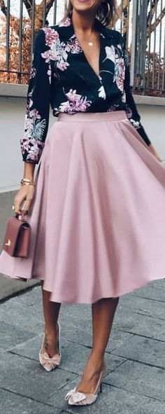 white, pink, and gray floral long-sleeved midi dress. Long Skirt Outfits, Winter Dress Outfits, Dressy Outfits, Modest Outfits, Sweater Outfits, Fashion Outfits, Dress Winter, Pink Dress Outfits, Formal Winter Outfits