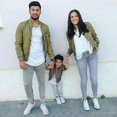 It's a family affair Mother Son Matching Outfits, Mom And Son Outfits, Matching Couple Outfits, Family Picture Outfits, Baby Boy Outfits, Kids Outfits, Paar Style, Baby Boy Fashion, Kids Fashion