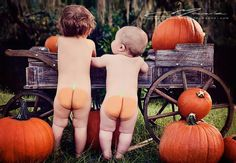 Love this for a fall picture idea