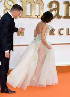Jenna Dewan Tatum silenced her haters after getting mom-shamed for posting a photo that showed off her booty. FYI, the photo was taken by husband Channing Tatum. Celebrity Couples, Celebrity Photos, Film Kingsman, The Emmys, Jenna Dewan, Channing Tatum, Celebs, Celebrities, Red Carpet Fashion
