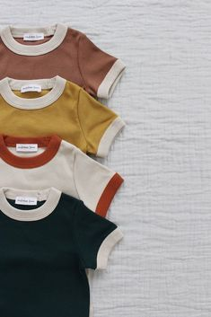 Vintage tee of baby Vintages T-Stück der Babykleidung Vintage tee of baby clothes, - Fashion Kids, Baby Boy Fashion, Vintage Kids Fashion, Style Fashion, Baby Outfits, Kids Outfits, Dress Outfits, Pinterest Vintage, Vintage Outfits