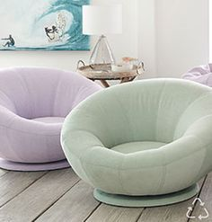 Comfy Bedroom Chair, Comfy Reading Chair, Cozy Chair, Comfortable Chairs For Bedroom, Reading Chairs, Small Bedroom Chairs, Bedroom Reading Chair, Room Ideas Bedroom, Girls Bedroom