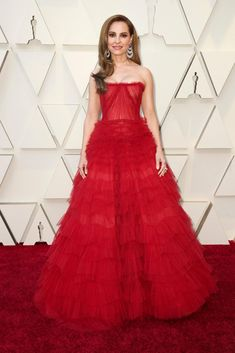 43d3b10b1a6a0 Oscars Red Carpet 2019 - The New York Times Oscars, Dress Vestidos,  Valentino,