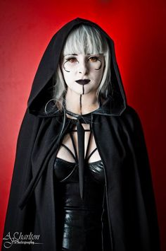 Gorgeous sith cosplay and makeup from Star Wars. - 11 Star Wars Cosplays