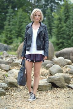 Outfit post fashion blogger turn it inside out belgium location at gaia zoo kerkrade wearing zara leather jacket 2014 flower printed skorts ...