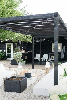 10 Best Pergola Designs, Ideas and Pictures of Pergolas – Top Soop Patio Design, Garden Design, Outdoor Spaces, Outdoor Living, Backyard Beach, Backyard Lighting, Back Gardens, Garden Inspiration, Interior Design Living Room