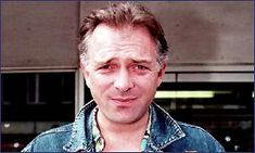 BBC News | Entertainment | Rik Mayall bounces back