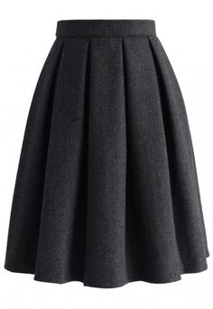 - Crafted from solid wool-blend fabric - Pleated silhouette - Lined - Side zip closure with hook - Lined - 35% Wool, 65% Viscose - Machine wash gently Size(cm) Length Waist XS 60 66 S 60 70 M 60 74 L 60 78 Size(inch) Length Waist XS 23.5 26 S 23.5 27.5 M 23.5 29 L 23.5 30.5 * XS fits for US 0/2, UK 6, EU34 * S fi...