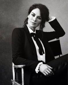 feminine-ways-to-wear-tuxedo-suits-fashionably-22