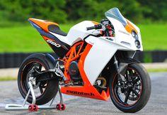 KTM Supermono by Mototech - Asphalt & Rubber Ktm Motorcycles, Motorcycle Bike, Custom Motorcycles, Yamaha Bikes, Ktm Duke, Custom Sport Bikes, Ride Out, Sportbikes, Street Bikes