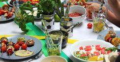 Ob Grillparty oder ein BBQ zur Fußball-WM – damit der Spaß nicht direkt auf die Hüften unserer so tapfer antrainierten Sommerfigur landet, haben wir bei TEATOX ein paar kalorienarme, vegetarische Rezepte zusammengestellt.