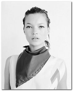 Most Memorable Kate Moss Hairstyles (23)