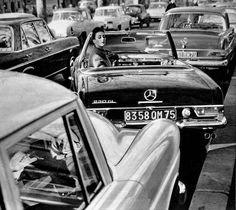 Parking a Mercedes-Benz Pagoda …