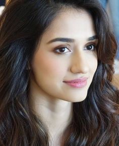 Disha patani cute face pics Disha patani images of her cute face smile Will steal hearts of any one . She is a fanatic Person and alwa. Indian Celebrities, Bollywood Celebrities, Bollywood Actress, Beautiful Indian Actress, Beautiful Actresses, Disha Patni, Prity Girl, Bollywood Photos, Indian Bollywood