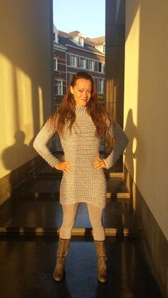 """Volg me opByMomKim op Facebook & Blijf op hoogte van de laatste updates! GratisHaakpatroon """"The Heavenly Blue Dress"""" Benodigdheden: 1. 4 Bollen """"Julia"""" garen – 100 gr. Is 17…"""