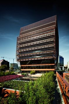 Head Offices Of CMT / Batlle & Roig Architects