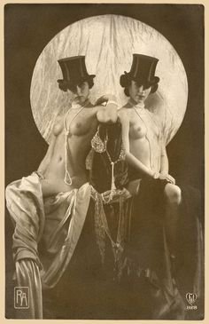 burlesque vintage performer photo risque and top hat Berlin Cabaret Vintage Glamour, Vintage Girls, Vintage Beauty, Retro Vintage, Vintage Lesbian, Burlesque Vintage, Ziegfeld Girls, Photo Vintage, 1920s