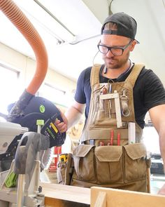 oliverapt Tool Tuesday: The Atlas 46 apron is a game changer from the old canvas 3 pocket pouch and hammer loop your dad game you as a kid. Deep closable pockets for screws, thin pockets for small flat tools, magnetic sections for holding loose screws and bits, a drill holster and lots of pen and pencil sleeves for ever writing instrument in the shop. The shoulder straps are well padded and easy to slide on making it something you can have on all day long. There are too many details and…