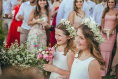 Destination Wedding na Bahia: Luiza e Paulo Flower Girls, Flower Girl Dresses, Bridesmaid Dresses, Wedding Dresses, Destination Wedding, Girls Dresses, Flowers, Fashion, Destination Weddings
