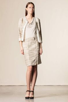 Gonna con zip beige. #skirt #robertascarpa #work #style #perfectoutfit #madeinitaly #shoponline #dressingfab