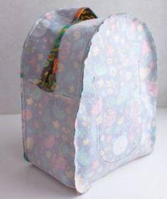 Easy step to step diy simple backpack tutorial for child Backpack Tutorial, Diy Backpack, Backpack Pattern, Toddler Backpack, Sewing Tutorials, Sewing Crafts, Sewing Projects, Tutorial Sewing, Diy Projects