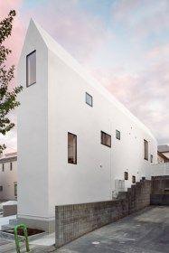 Laat het aan de Japanners over om te weten hoe je ruim leeft op een beperkte oppervlakte. De gevel van House K, een ontwerp van Hiroyuki Shinozaki Architec...