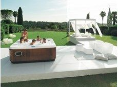 Discover the benefits of Jacuzzi treatments thanks to its hight quality products. Know more about the use of water for well being, don't miss to take care of yourself! Contact Jacuzzi® now. Spas, Jacuzzi Hot Tub, Jacuzzi Outdoor, Mini Piscina, Round Hot Tub, Wellness Resort, Exterior, Home Spa, Outdoor Furniture Sets