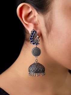 Tips On Choosing Beautiful Jewelry To Enhance Your Personal Style Indian Jewelry Earrings, Indian Jewelry Sets, Jewelry Design Earrings, Silver Jewellery Indian, Gold Earrings Designs, Ear Jewelry, Cute Jewelry, Silver Jewelry, Silver Earrings
