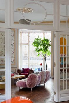 Large Indoor Trees That Make a Bold Statement   There are trees that bring lively green to any space that can also be grown inside. From fiddle leaf figs to palms and money trees, check here to see which big plants will work best in your space.