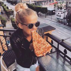 Girls with Gluten : l'Instagram à la gloire du gluten et du gras. #foodporn #pizza #Bebuzz