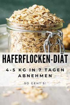 Oatmeal diet: How to lose 5 kg in 7 days (incl. Diet Haferflocken-Diät: So verlierst Du 5 Kg in 7 Tagen (inkl. Diätplan) – Foodgroove Do you like oatmeal Then use them to lose weight quickly. Diets Plans To Lose Weight, Oatmeal Diet, Dietas Detox, Nutrition Education, Nutrition Diet, Paleo Diet, Crunches, Eating Plans, Food Items
