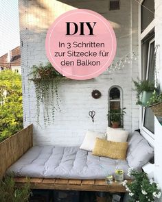 DIY instructions: In 3 steps to the dreamlike sitting area on the .- DIY-Anleitung: In 3 Schritten zur traumhaften Sitzecke auf dem Balkon von le.lolie DIY instructions: In 3 steps to the dreamlike sitting area on the balcony of 54 ° N Photo: 54 ° N - Diy Garden Decor, Diy Home Decor, Deco Champetre, Apartment Balcony Decorating, Diy Casa, Decoration Bedroom, Home Decoration, Farmhouse Side Table, Farmhouse Decor