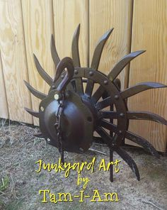 For more information see Stimulating Collected Ideas for DIY Welding Projects Metal Yard Art, Metal Tree Wall Art, Scrap Metal Art, Metal Artwork, Tree Artwork, Welded Metal Art, Rusty Metal, Metal Welding, Welding Art