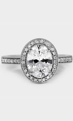 halo of pavé-set diamonds