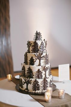 fall wedding cake, photo by Lara Kimmerer http://ruffledblog.com/fall-wedding-in-a-massachusetts-art-gallery #weddingcake #cakes