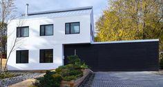 Cerca de la ciudad canadiense de Hamilton (Ontario) podemos encontrar una vivienda ecológica y sostenible construida con un nuevo sistema de muros vegetales. Una nueva concepción para la arquitectura contemporánea derivada desde los sistemas más tradicionales.