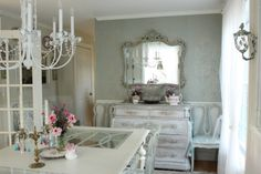 Amy did an amazing job hanging wall paper in her dining room! Love it!
