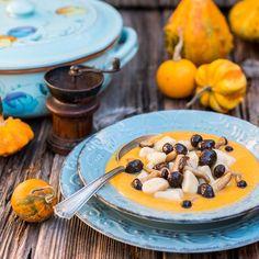 Gnocchis aux champignons en crème de potiron Vol Au Vent, Pop Up Restaurant, Sausage, Oatmeal, Stuffed Mushrooms, Breakfast, Tables, Food, Cooking Recipes