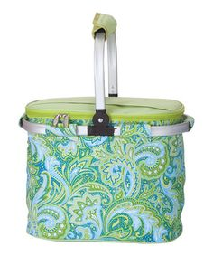This collapsible cooler is perfect for everything from picnics and tailgating to trips to the beach or farmers market. A thermal foil liner and zippered lid help maintain the interior temperatures for hours, while a lightweight aluminum frame makes this tote easy to take on the go.