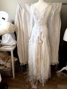 Brautkleid französische Spitze repurposed Hochzeit von RAWRAGSbyPK