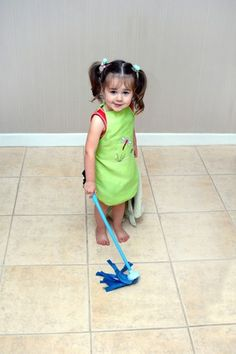 7 chores your kids should be doing