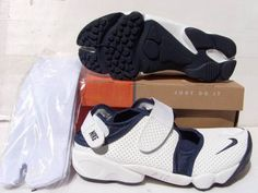 Nike Rift Shoes Nike Air Rift White Navy Blue [Nike Air Rift - Wearing a pair of Nike Air Rift White Navy Blue shoes, you can have a happy time while walking and running. The shoes with split toe can offer the wearer a barefoot feel. The white upper i Nike Air Rift, Nike Shoes, Sneakers Nike, Navy Blue Shoes, Blue Nike, Barefoot, Air Jordans, High Top Sneakers, Pairs