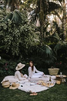 A spring picnic with Alicia Lund at the Biltmore Four Seasons Resort with plenty of babies, bear and cheese to go around.