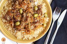 Le Tiebou Yapp (riz à la viande) la délicieuse recette 100% sénégalaise! Great Recipes, Soup Recipes, Keto Recipes, Healthy Recipes, Senegalese Recipe, Jungle Food, West African Food, Healthy Brownies, Black Food